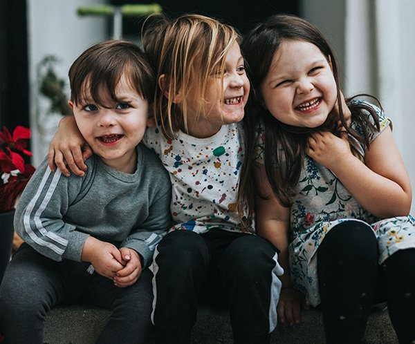 Community friends | Three kids hanging out
