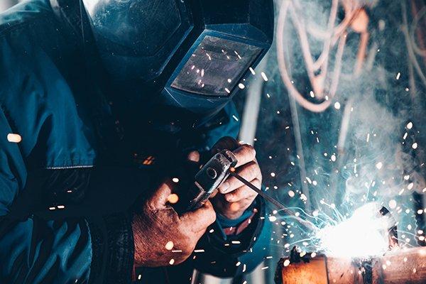 Self-improvement | Man welding